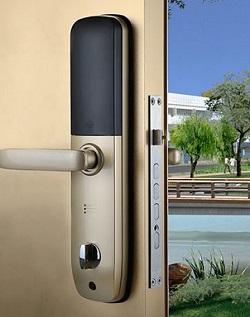سیستم امنیتی قفل هوشمند یا الکترونیک در اصفهان
