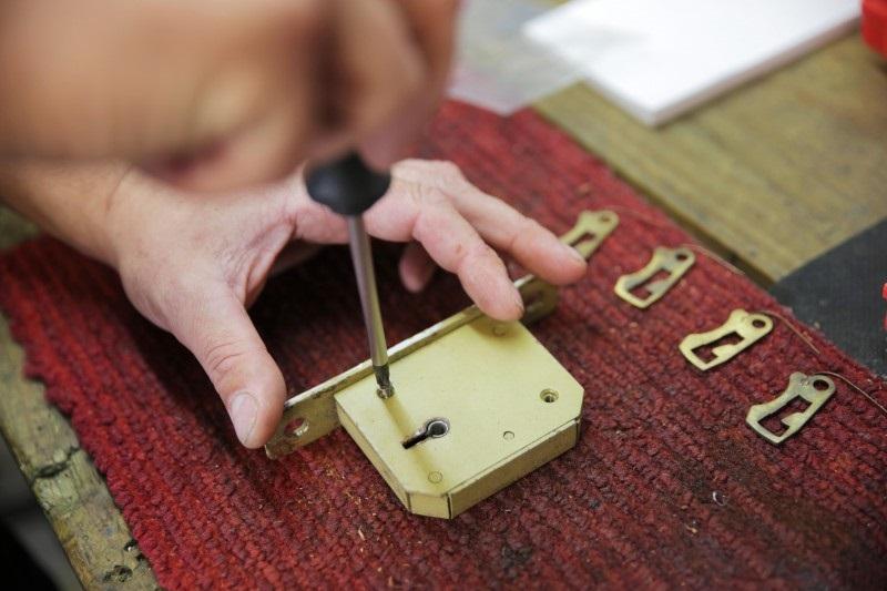 مراحل نصب قفل دیجیتال در اصفهان